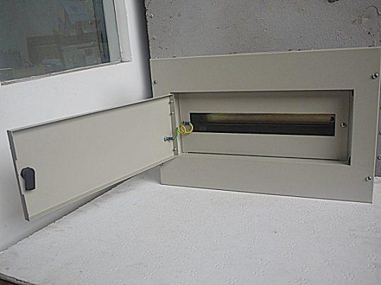 TAE 18 Way Metal Box