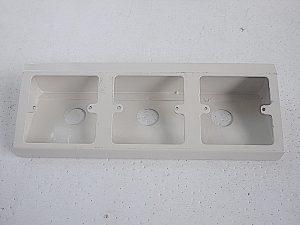 Metal Triple Angle Box